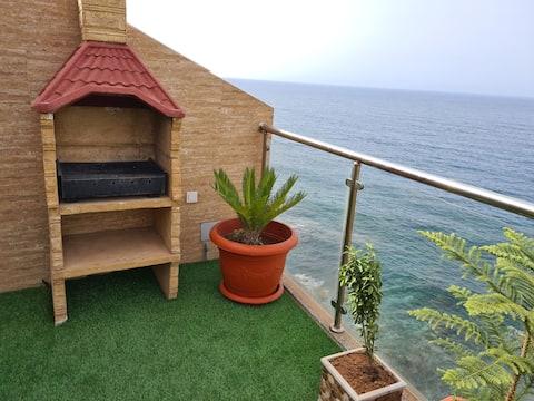 Magnifique villa avec vue époustouflante sur mer!