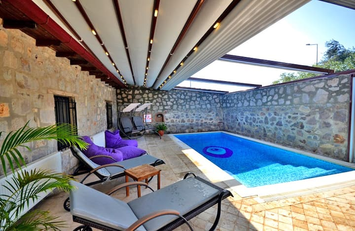 Perfect Couples Getaway with Heated Pool