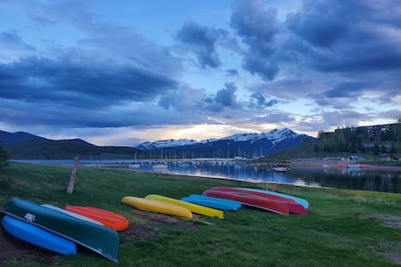On Lake Dillon - Pedal Boat Included w/ Rental