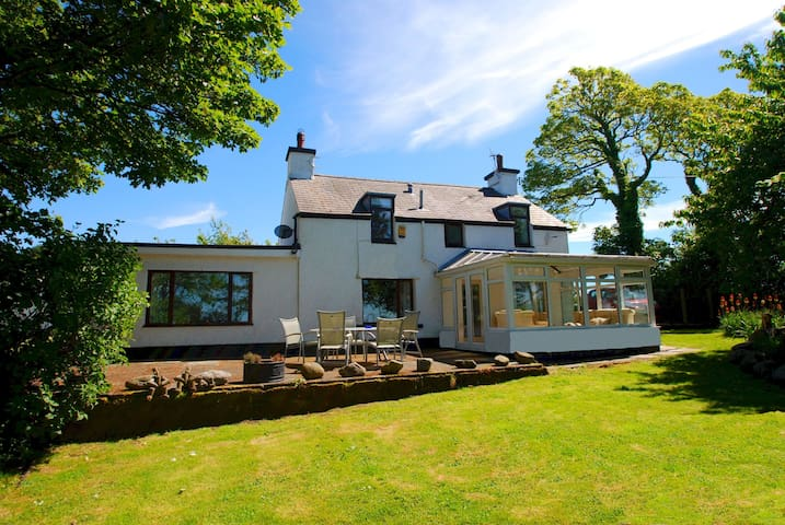 Gamekeeper's Cottage | Great Escapes Wales