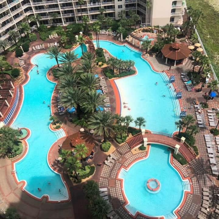 1805 shores of pcb. Great view /pool/beachfront