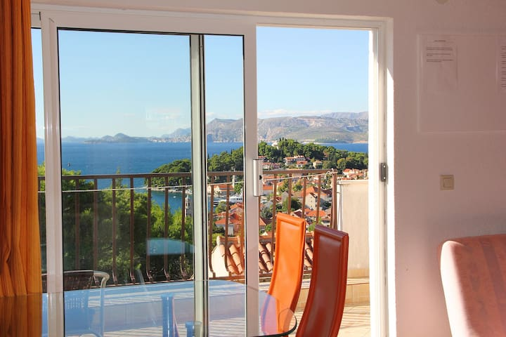 Two Bedroom apartment with stunning view of Cavtat - Cavtat - Haus