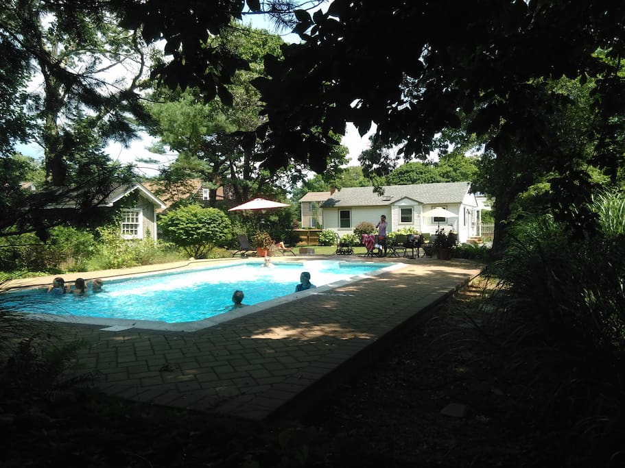 Id al petite maison avec piscine maisons louer for Piscine new york