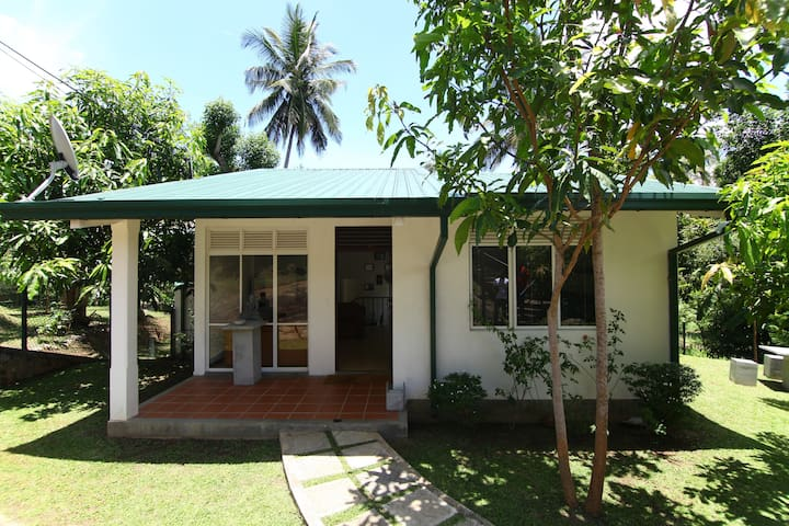 VICTORIA HIDE OUT - Digana - Bungalow