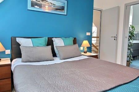 Chambre d'hôtes B&B, Sdb Privée, 5' mer, ST Malo - Ploubalay - Domek gościnny