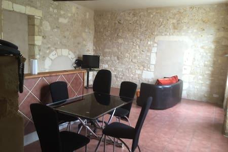 Maison attenante dans un superbe domaine - Saint-Laurent-d'Arce