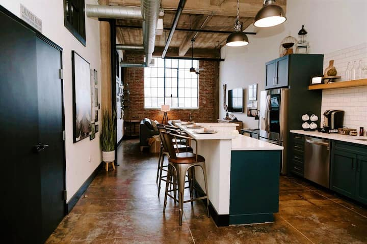 Silo District Vintage Warehouse Loft-Waco