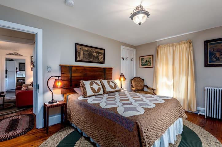 Beautiful Bedroom with Queen Bed