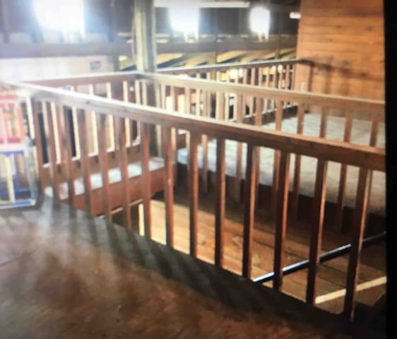 The Barn Loft w/ Riding Lesson included!