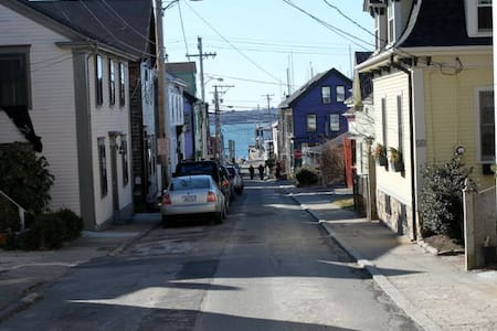 Perfect Location Downtown Newport - 뉴포트