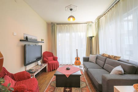 Cozy Apartment in the Old Town Bakirkoy