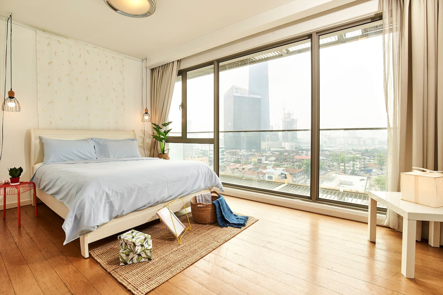 Bedroom with an amazing view of the KL iconic newly built Exchange-106 tower