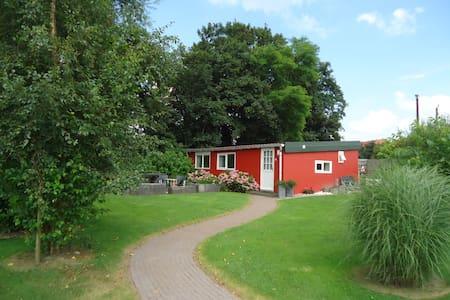 Het gezellige rode huisje - Kamperveen