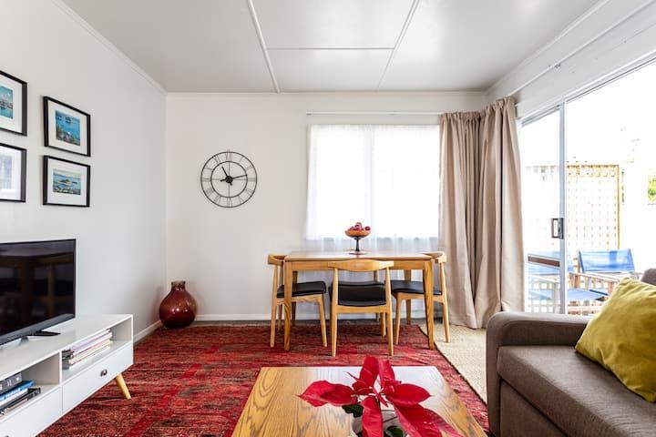 Tahunanui apartment B