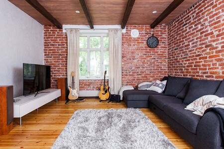 Unique two-floor apartment in Oulu - Oulu - Hus