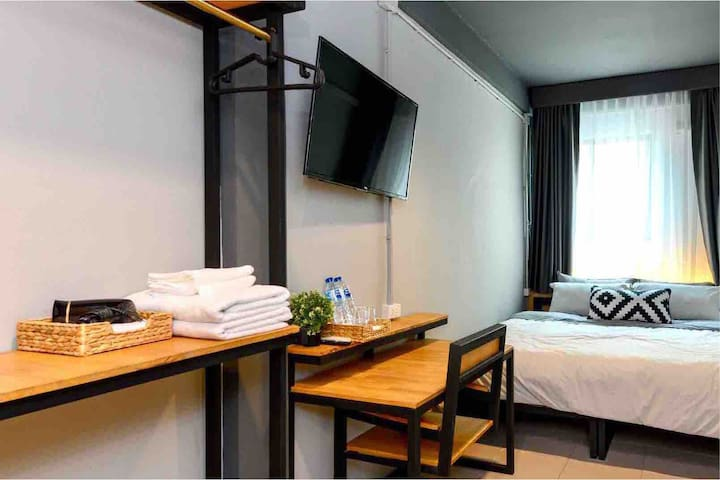 Private Room, City Center, MRT, WiFi, Netflix B2