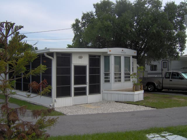 Beautiful Park model -$295 week! - Sebring