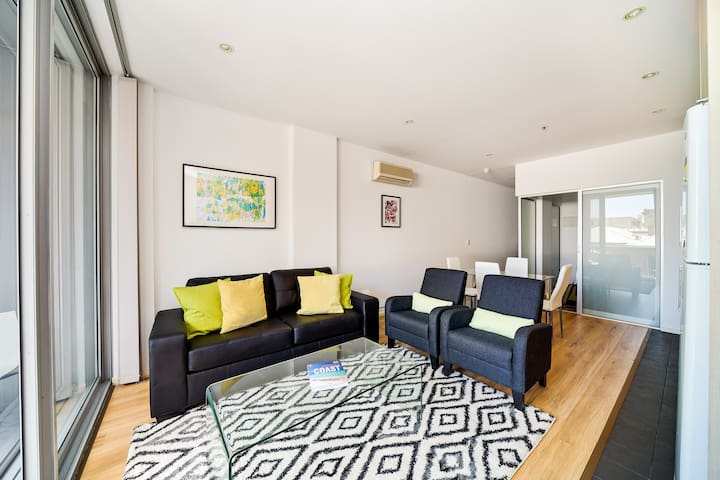 York luxury 2 bedroom + FREE car park in the CBD. - Adelaide - Departamento