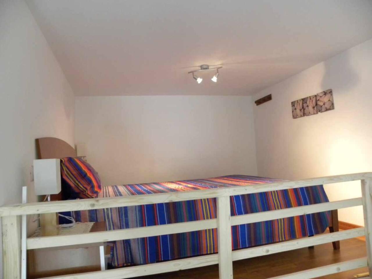 Lovely Loft - letto matrimoniale su soppalco