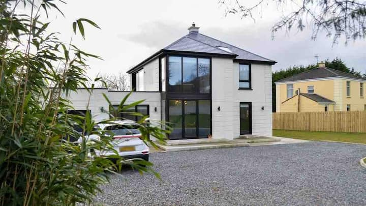 The Box House. Modern Luxury. Views. Fahan.
