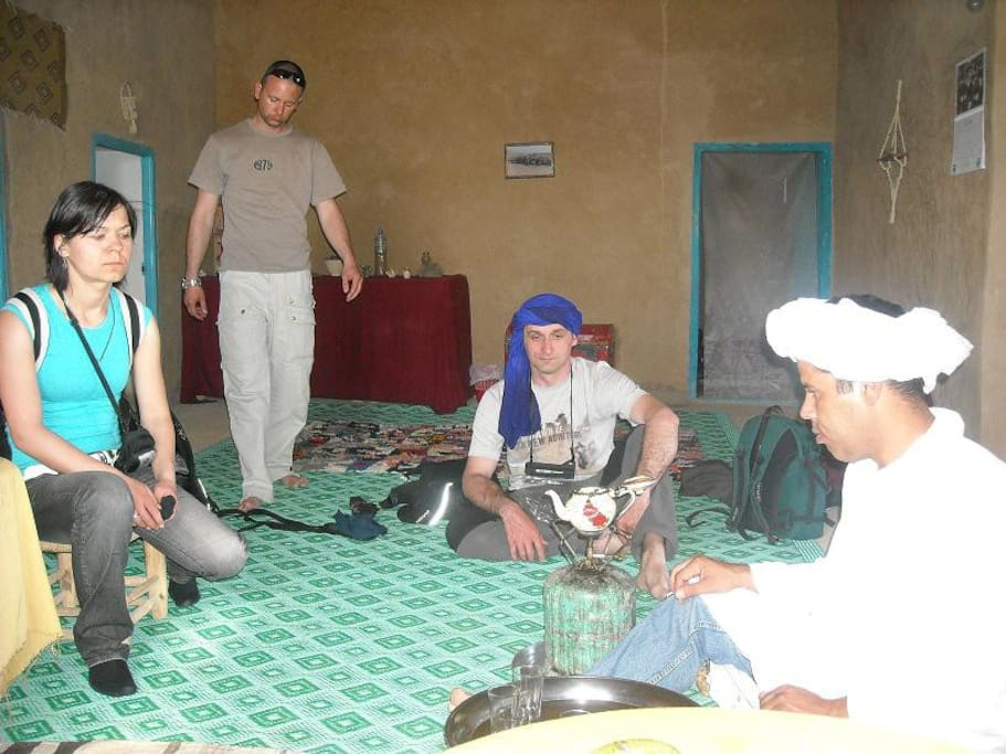 Ceremoni to cook berber tea