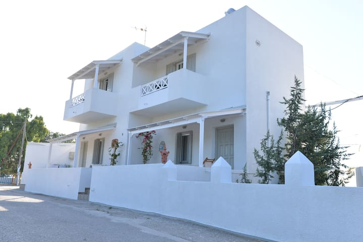 SEA VIEW STUDIOS - Πολλώνια - Bed & Breakfast