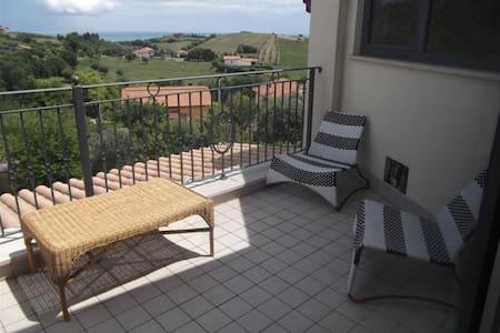 Comfortable flat in detached villa - Tortoreto