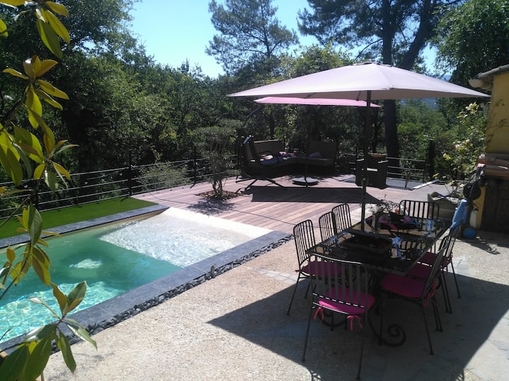 Maison de 80m2 avec piscine privée en campagne