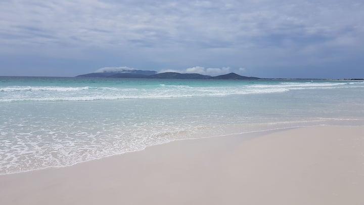 Temporada Cabo Frio - Apto c/2 qtos, ar cond, etc