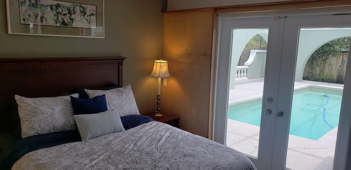 Pool Side Guest Suite Near Beach & Sponge Docks
