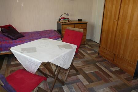 Studio / chambre pour les JEM - Cagny - Pis