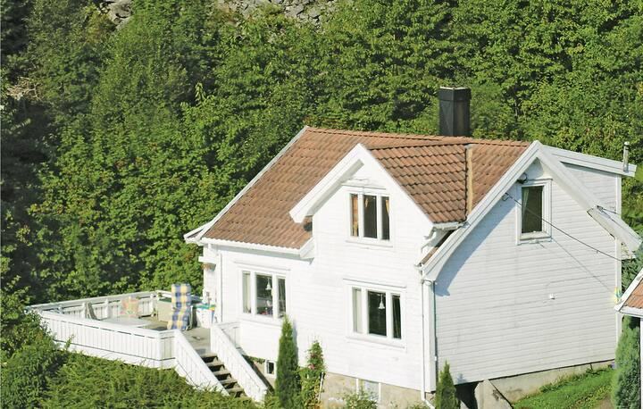 Stunning home in Lindesnes with 4 Bedrooms