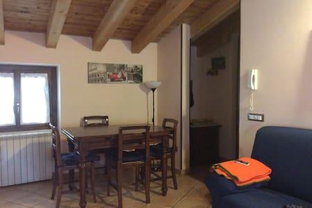 Deliziosa mansarda in montagna - Bovegno