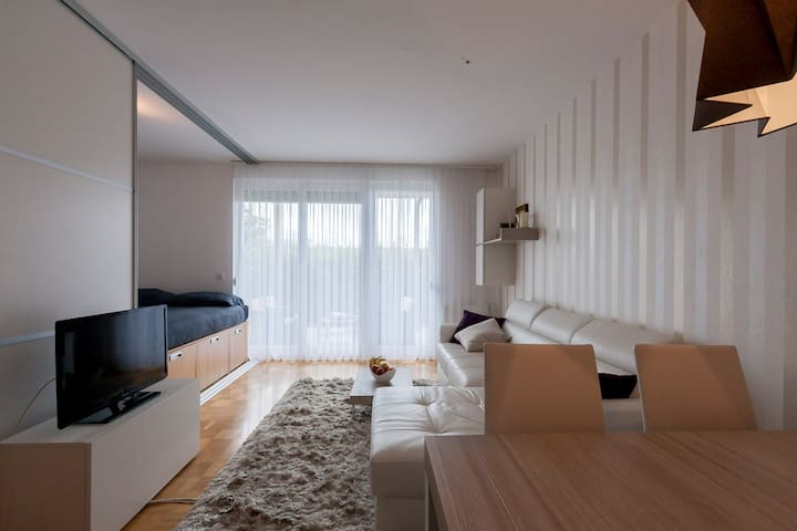 Modern studio apartment - Ljubljana - Apartment