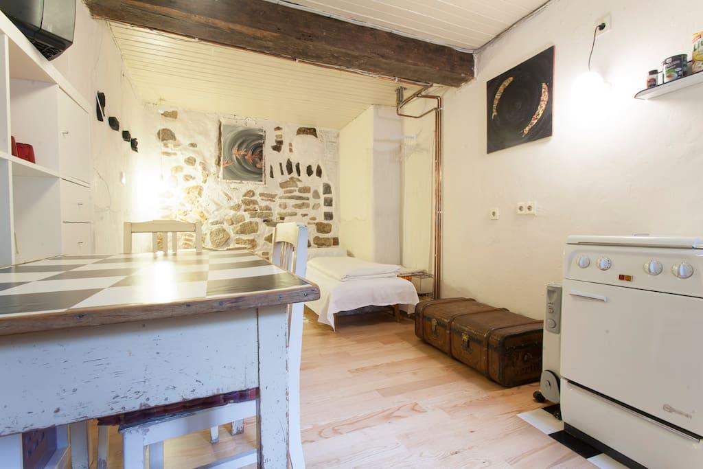 wohnen im fachwerkhaus von 1609 apartments for rent in. Black Bedroom Furniture Sets. Home Design Ideas