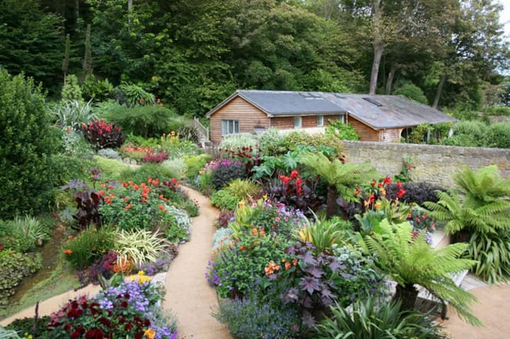 Detached barn conversion in glorious 2 acre garden