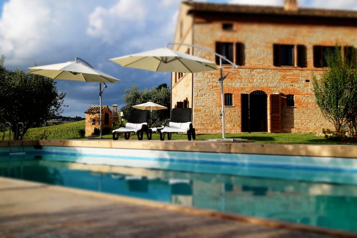 Villa Girasole Monteleone