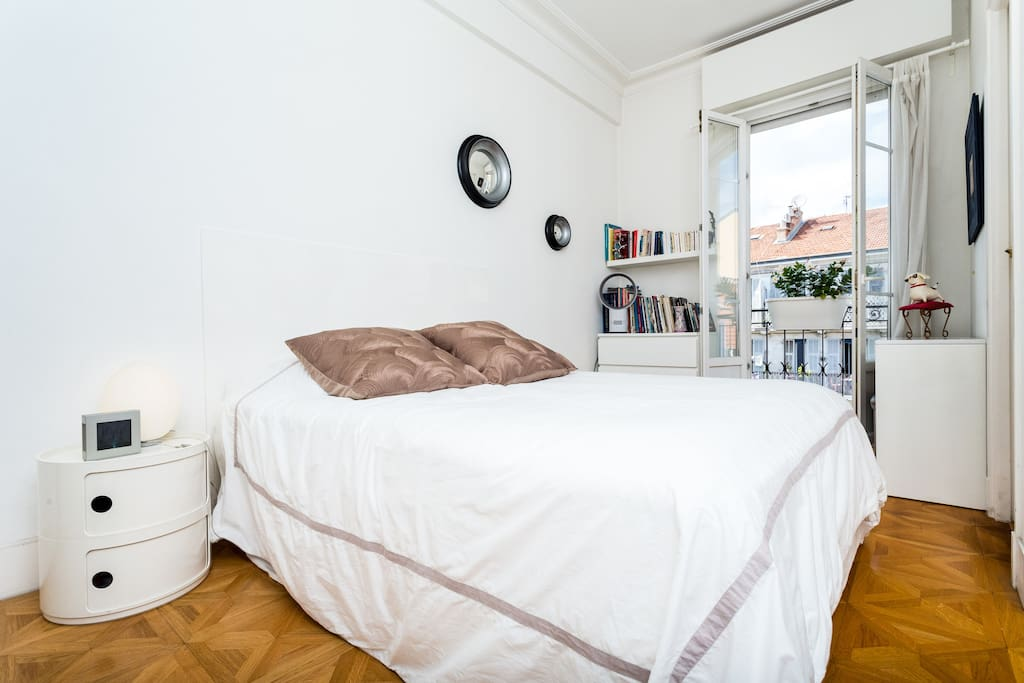 Bedroom : double bed, private bathroom