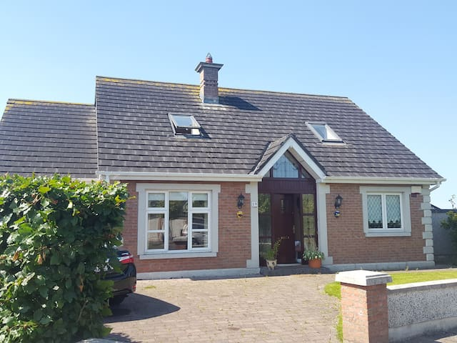 Detached House in Naas with Country Views