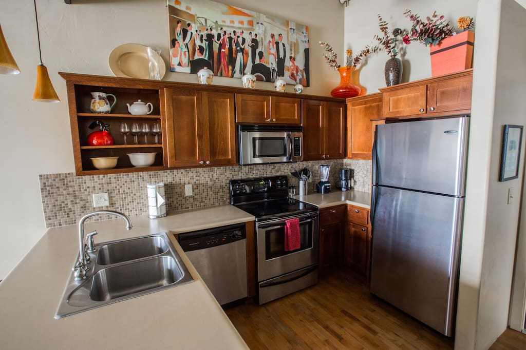 Acme Building-Carnegie Suite kitchen 1bd/1bth