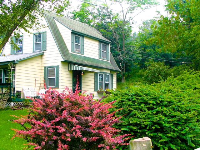 Applewood Cottage: A Relaxing Catskills Escape - Callicoon - Casa