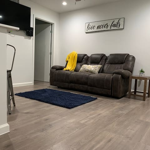 Remodeled Flat Near Downtown