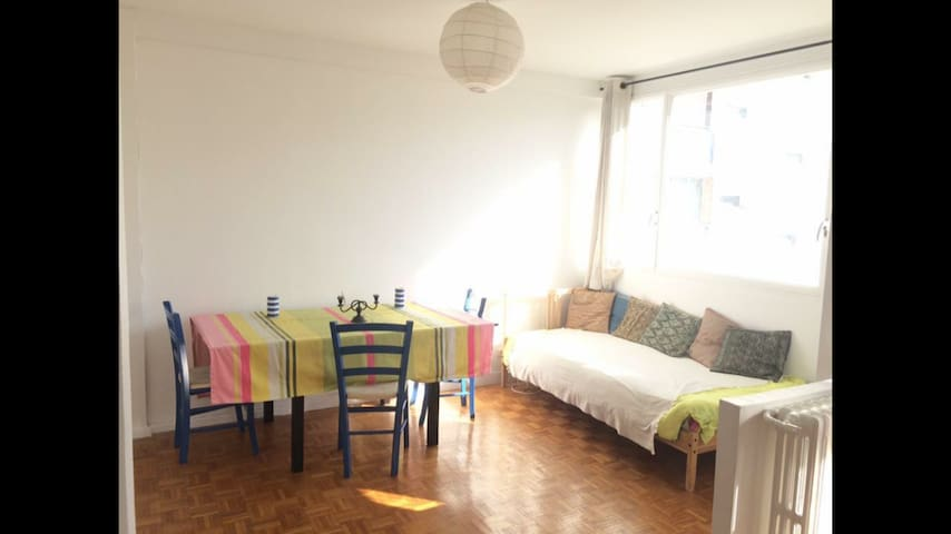 Cosy, sunny and quiet 63m2 flat in vibrant 15th !