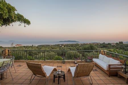 Living in a mediteranean paradise - Methoni