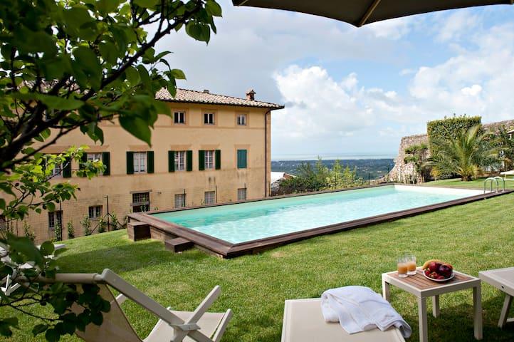Luxury Villa close to the sea of Forte dei Marmi