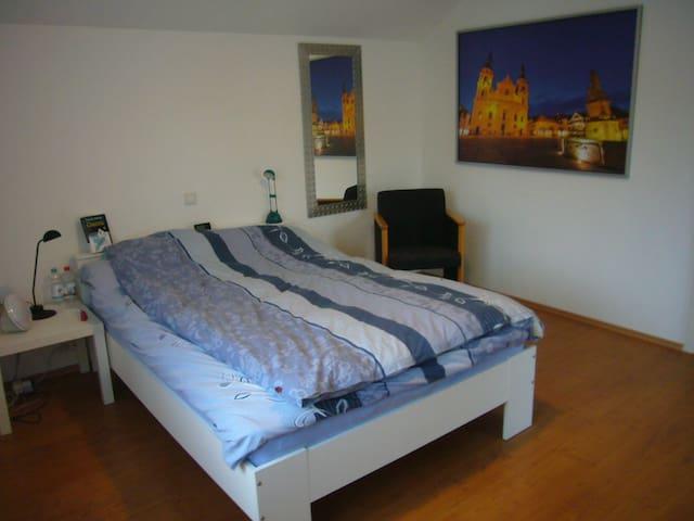 Helle 3,5 Zimmer Wohnung in Asperg - Asperg - Apartamento
