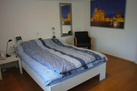 Helle 3,5 Zimmer Wohnung in Asperg - Asperg
