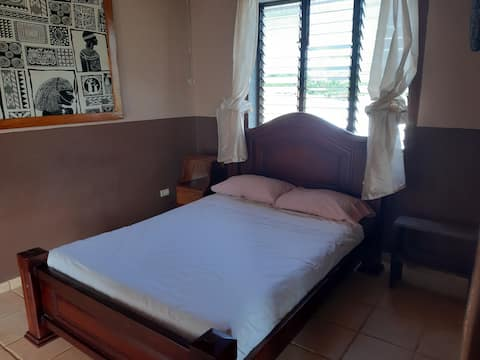 Lapa bedroom next to the pool, 5 min walk to beach