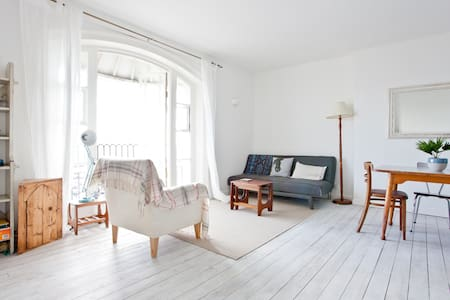 Sea-view Retreat in Old Town - Hastings - Apartment
