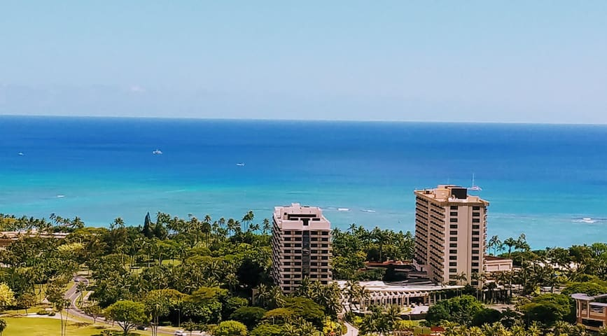 38th floor Waikiki  condo for 3 - amazing views